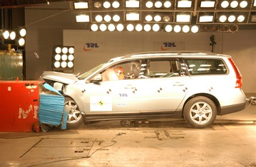 Official Volvo V70 2009 safety rating results
