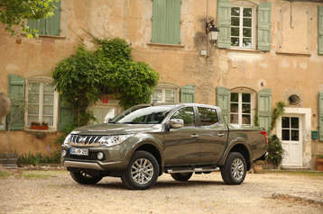 Official Mitsubishi L200 2015 Safety Rating