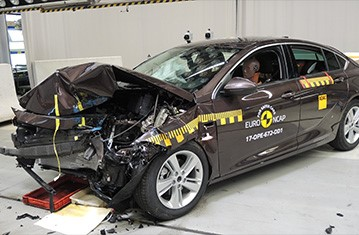 Official Opel/Vauxhall Insignia safety rating