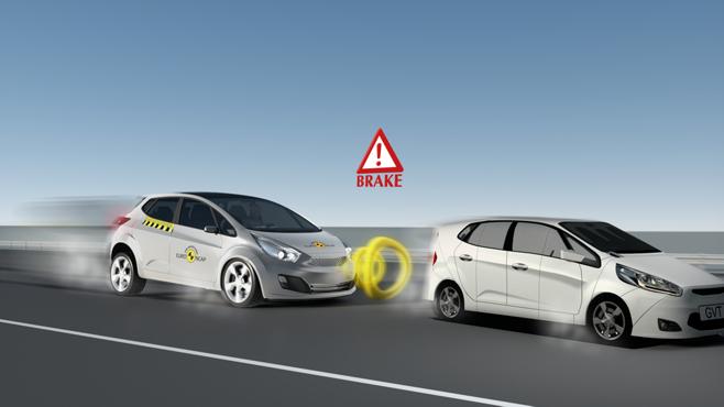 AEB in retromarcia: -28% di incidenti durante le manovre e
